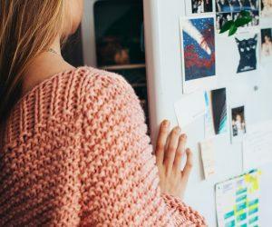 back-view-fashion-fridge-1458687 (2)